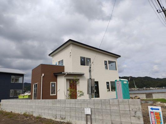 建具取付と玄関タイル完成